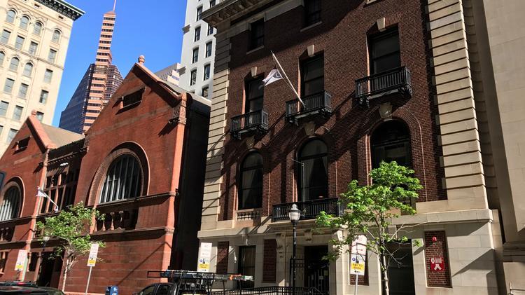 Chez-Hugo-Shakespeare-Theatre
