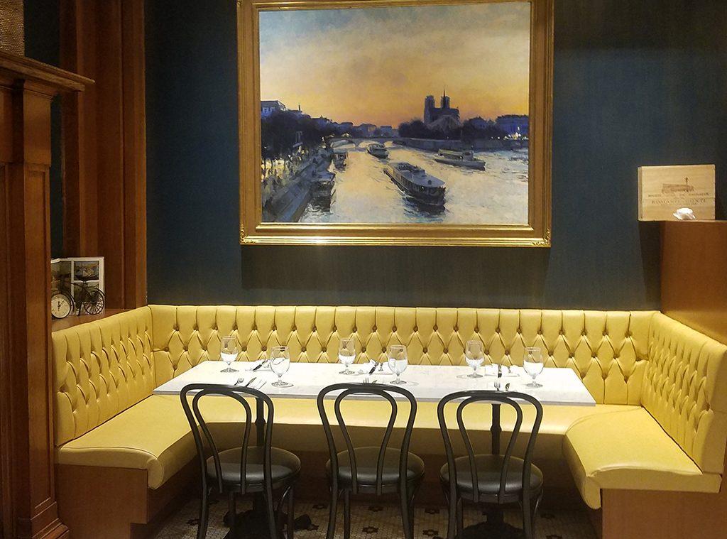 Encore-Eats-Baltimore-Chez-Hugo-Seating