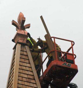 Encore-Sustainable-Design-Asbury-Methodist-Finial-Installation